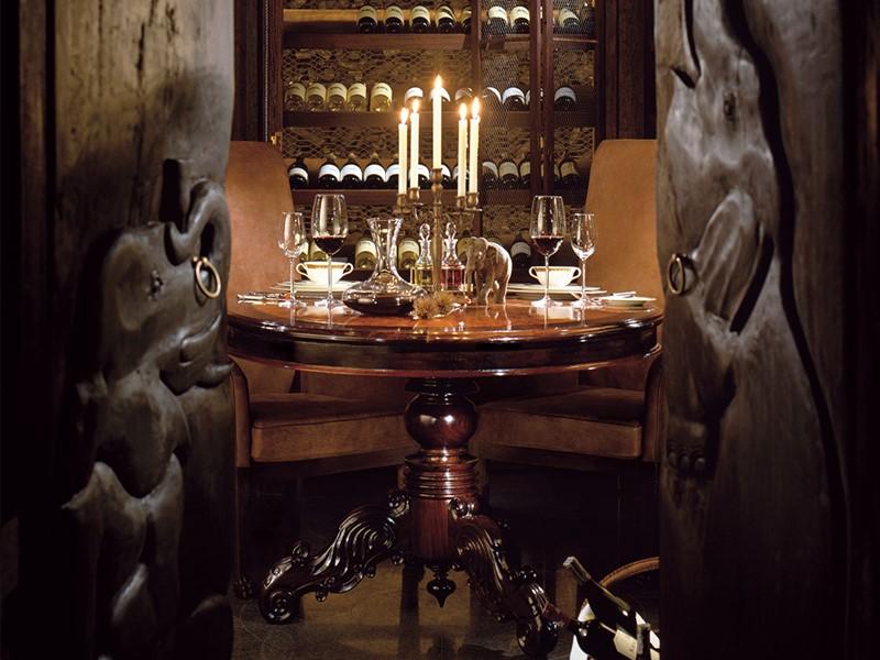 Une large sélection de vins vous attend au Four Seasons Tented Camp