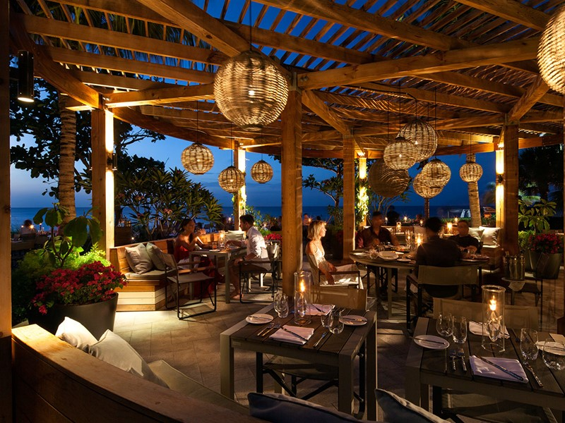 Infiniti Restaurant & Raw Bar de l'hôtel Grace Bay Club