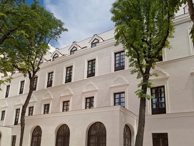 La façade de style élisabéthain du Gran Meliá à Madrid