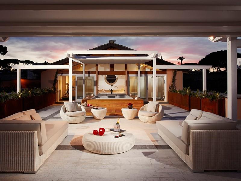 Redlevel Emperor Penthouse Master Suite Terrace