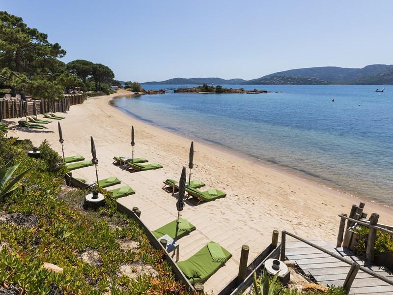 Baignez-vous dans l'une des meilleures plages de la région