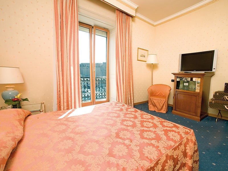 La Senior Suite du Grand Hotel Santa Lucia en Italie