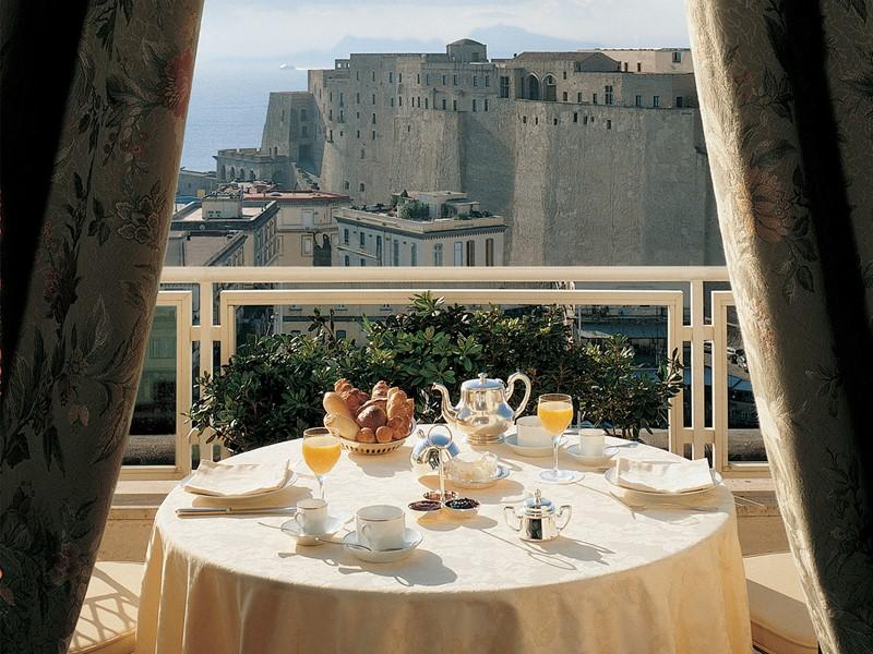 Petit déjeuner à l'hôtel Grand Hotel Vesuvio