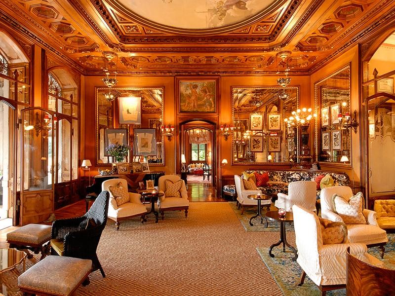 Demeure aristocratique à la décoration raffinée