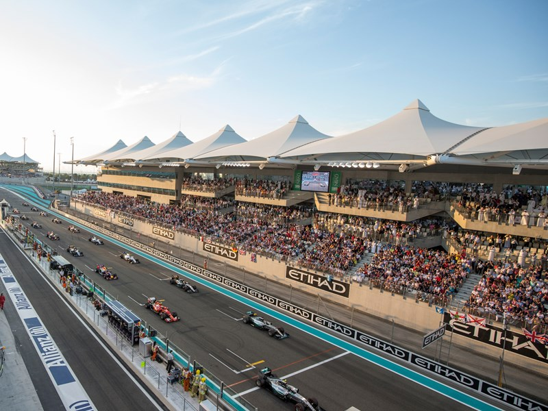 Assistez aux épreuves de qualification et découvrez en direct qui partira en pole position le jour j !