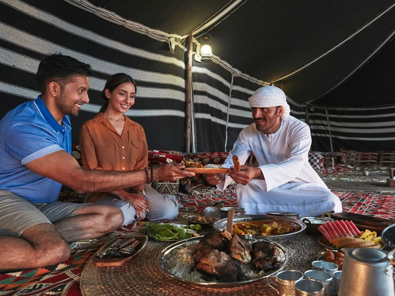 Un dîner au milieu du désert