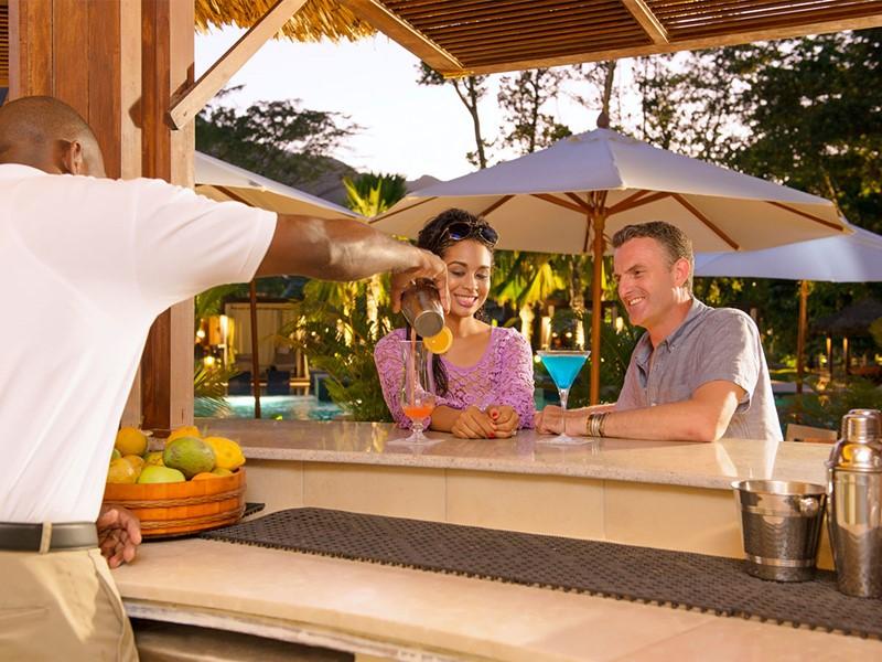 Le bar Ripples de l'hôtel H Resort aux Seychelles