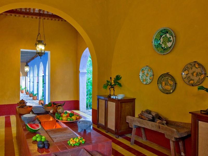 Cuisine traditionnelle composée d'aliments frais à l'Hacienda Santa Rosa