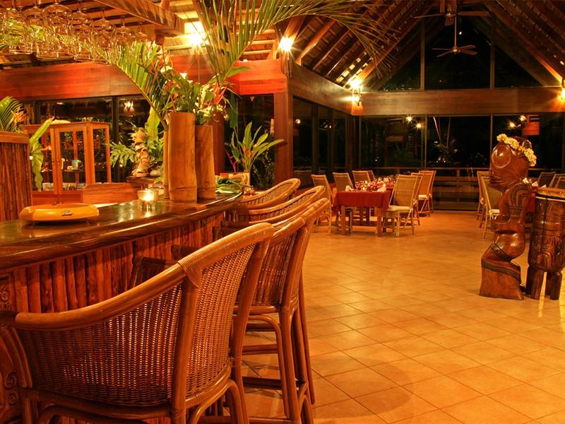 Le bar de l'hôtel Hanakee Pearl Lodge Hiva Oa sur les Iles Marquises