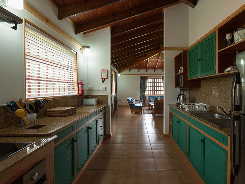 La cuisine de la Three Bedroom Villa de l'Heliconia Grove