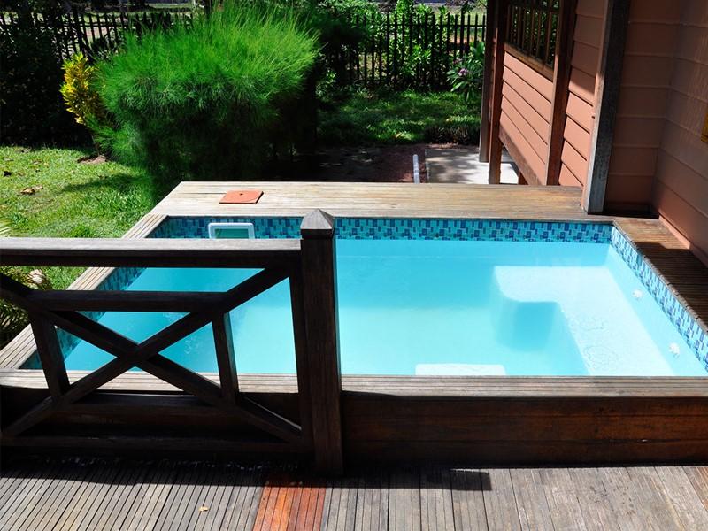 Plunge pool d'un des bungalows de l'Heliconia Grove