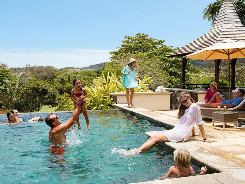 Profitez de la piscine de votre villa