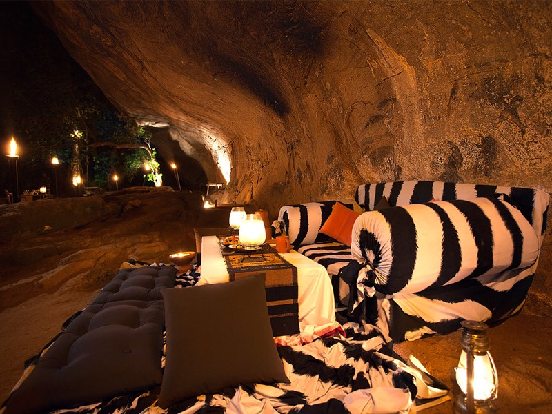Dîner dans une grotte à l'Heritance Kandalama au Sri Lanka