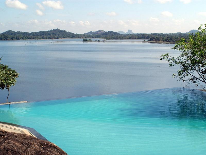 Autre piscine de l'hôtel Heritance Kandalama