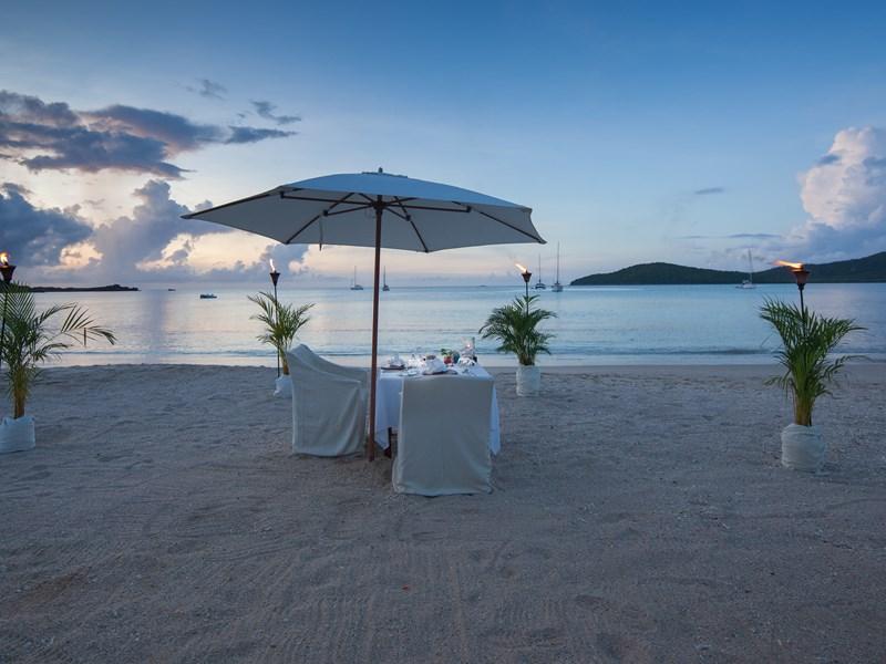 Offrez-vous un dîner romantique sur la plage