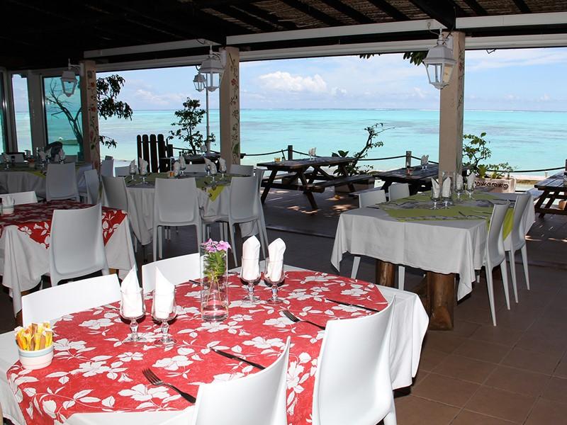 Le restaurant de l'hôtel Hibiscus situé en Polynésie