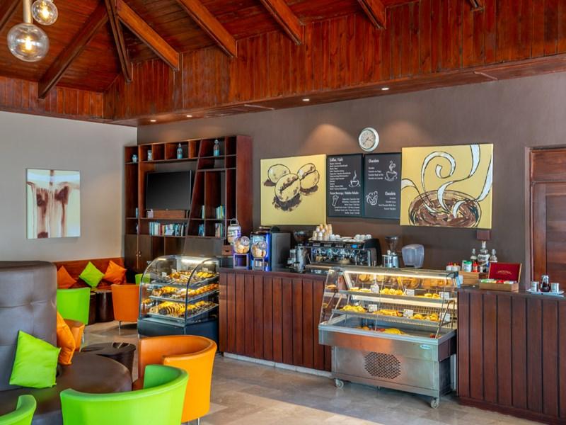 Sirotez un délicieux café au Coffee Shop