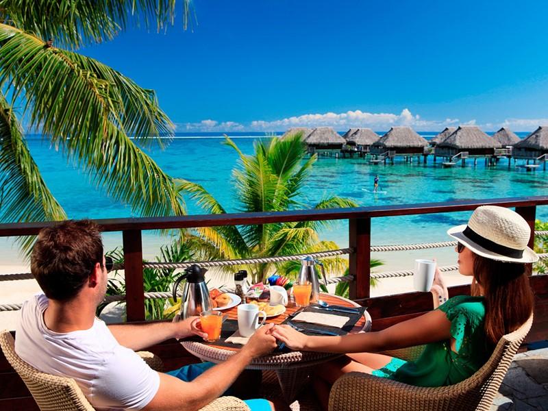 Le petit dejeuner de l'hôtel Hilton Moorea en Polynésie