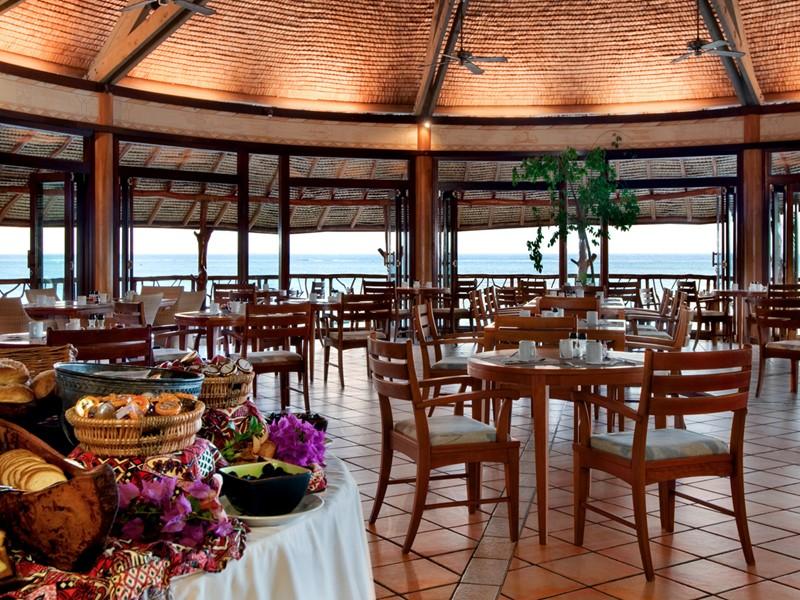 Le restaurant Arii Vahine de l'hôtel Hilton Moorea en Polynésie