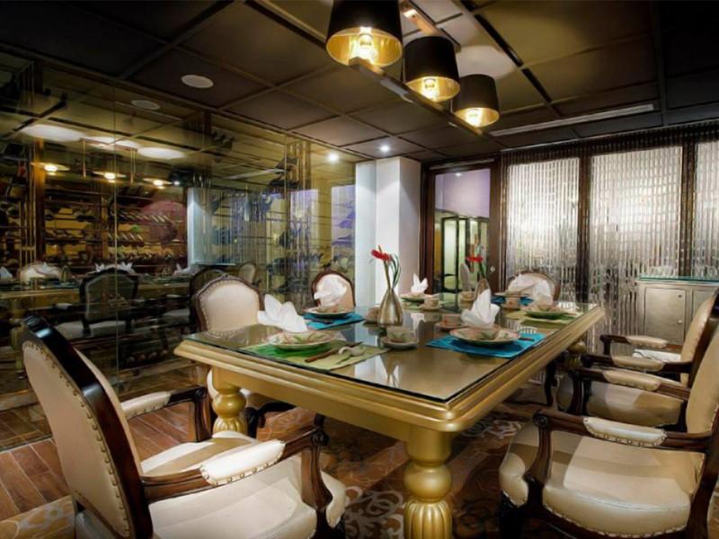 Restaurant de l'hôtel de l'Opéra situé à Hanoi