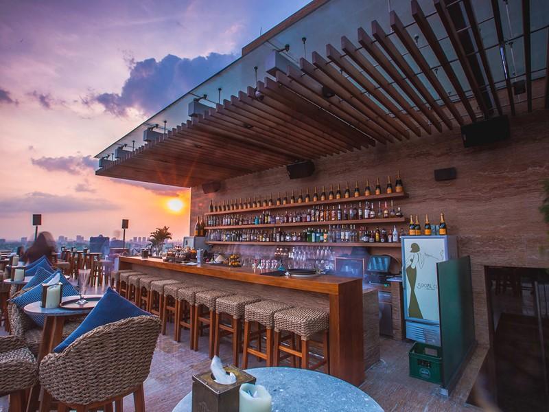 Le Social Club Rooftop Bar de l'Hôtel des Arts