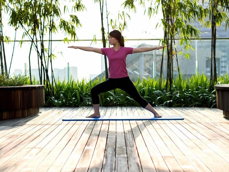 Yoga à l'hôtel Jen Orchardgateway à Singapour