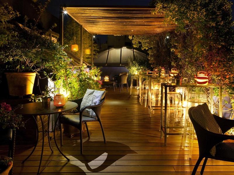 La terrasse rooftop Roba Estesa de l'hôtel Neri