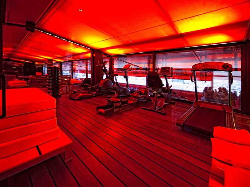 La gym de l'hôtel Silken Puerta de América situé dans la capitale d'Espagne
