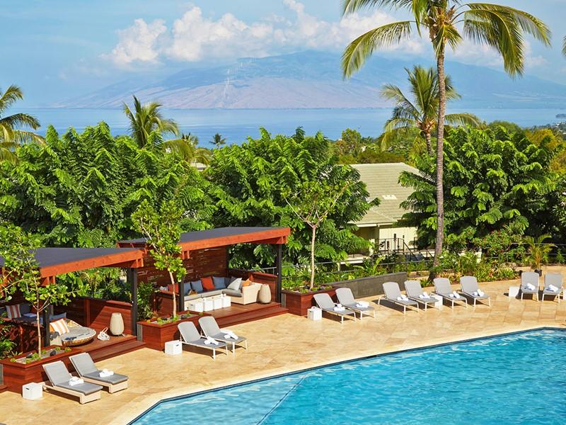 Relaxez-vous au bord de la piscine du Wailea