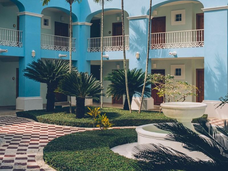 Le patio de l'hôtel