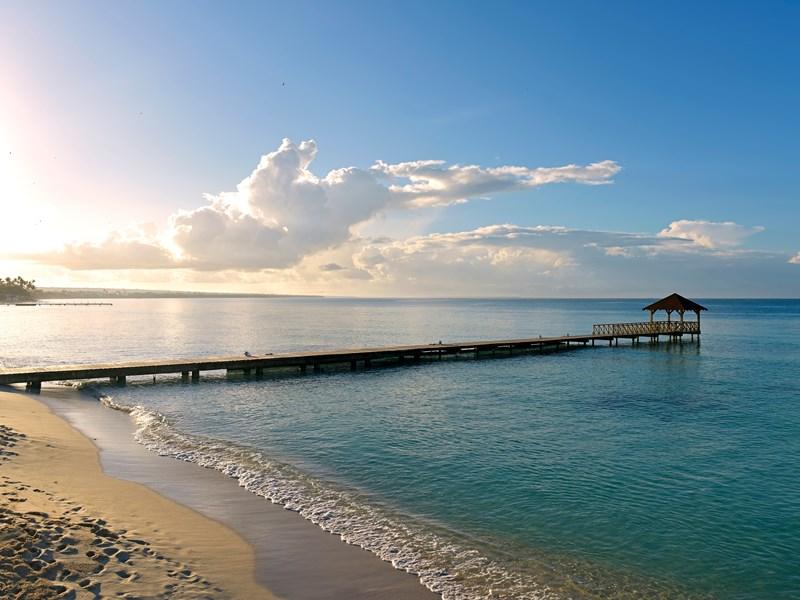 Magnifique plage de sable blanc