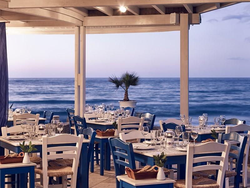 Le restaurant Ouzeri - Kafenion de l'Ikaros en Grèce