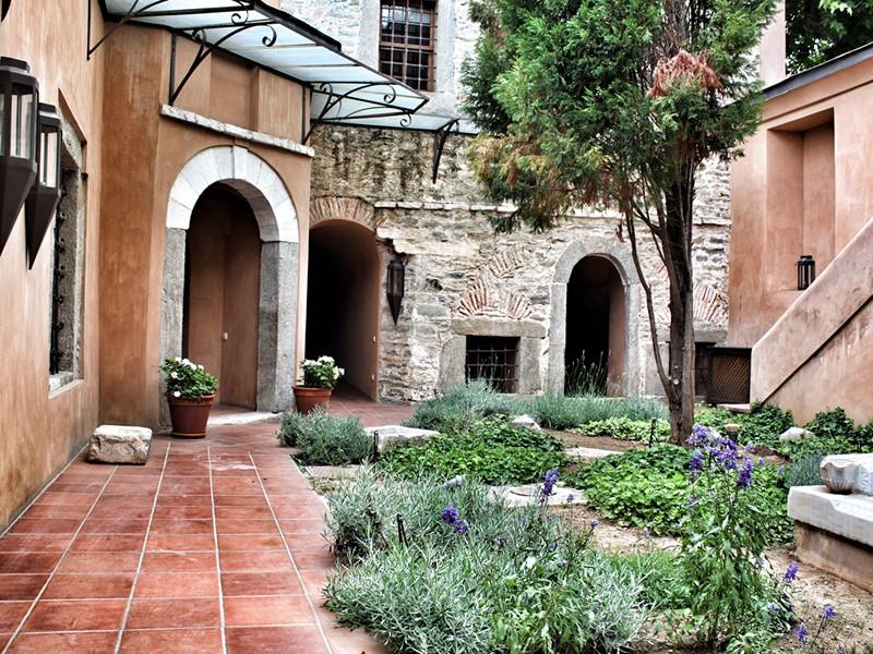 L'Imaret allie une architecture ottomane d'origine au luxe moderne