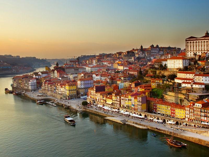 Splendide vue sur le centre historique de Porto