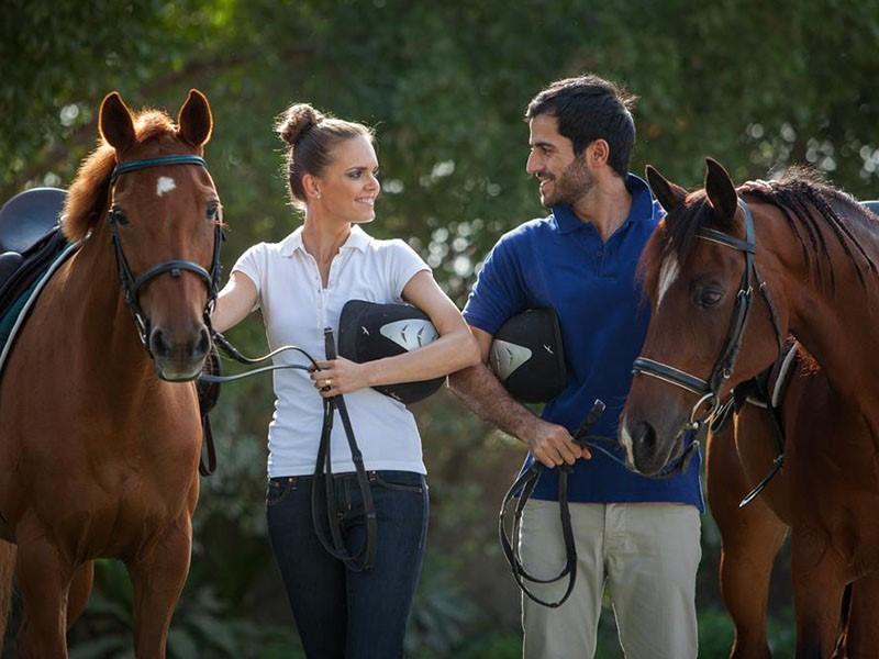 Balade à cheval à l'hôtel Jebel Ali Golf & Spa à quelques minutes du centre ville de Dubaï