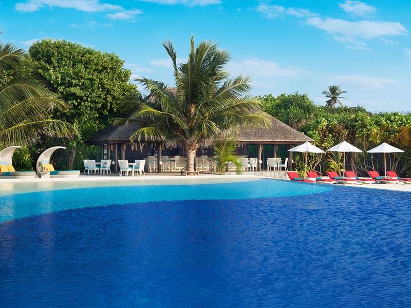Autre piscine du JA Manafaru aux Maldives