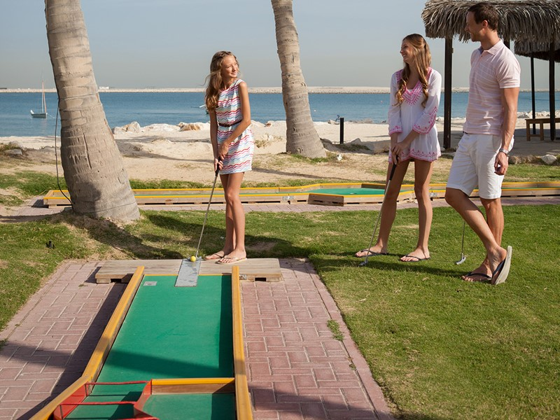 Mini golf de l'hôtel Palm Tree Court à Dubaï