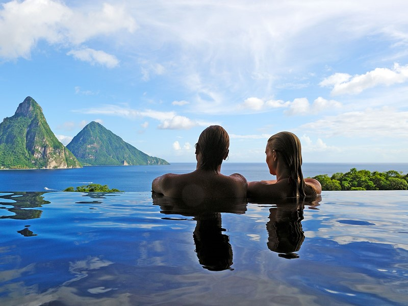 Séjour idéal en amoureux à l'hôtel Jade Mountain