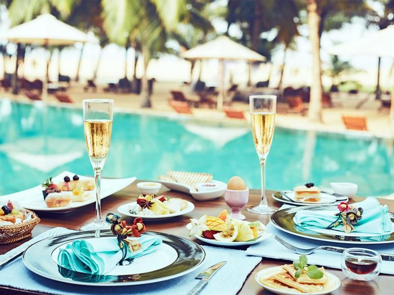 Profitez d'un petit-déjeuner au champagne