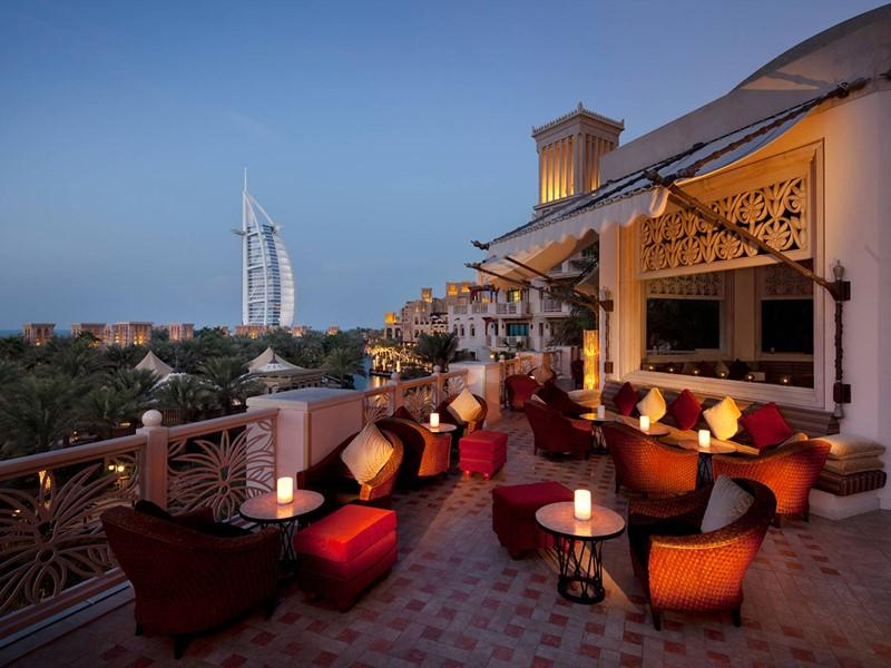 Le bar Koubba de l'hôtel Al Qsar à Dubaï