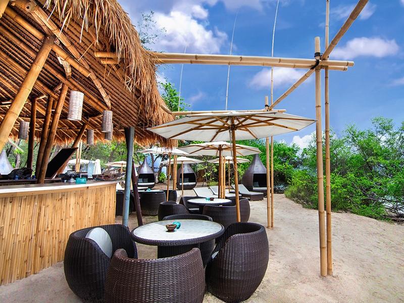 Le restaurant de l'hôtel Karma Reef, à Gili Meno