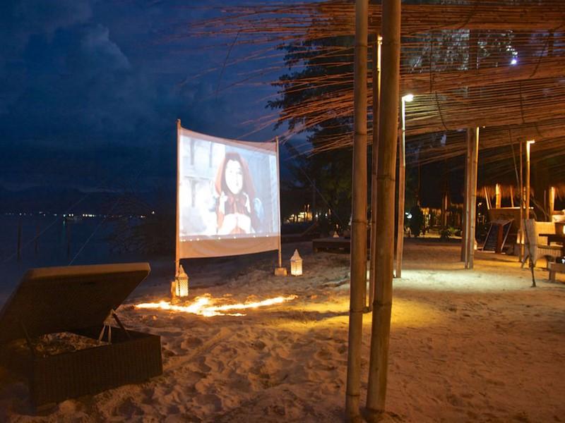 Le cinéma sur la plage du Karma Reef, à Gili Meno