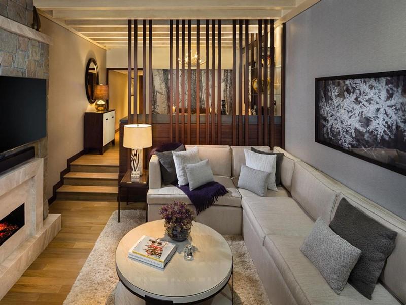 Le salon du Duplex Ski Chalet de l'hôtel Kempinski Mall Of The Emirates à Dubaï