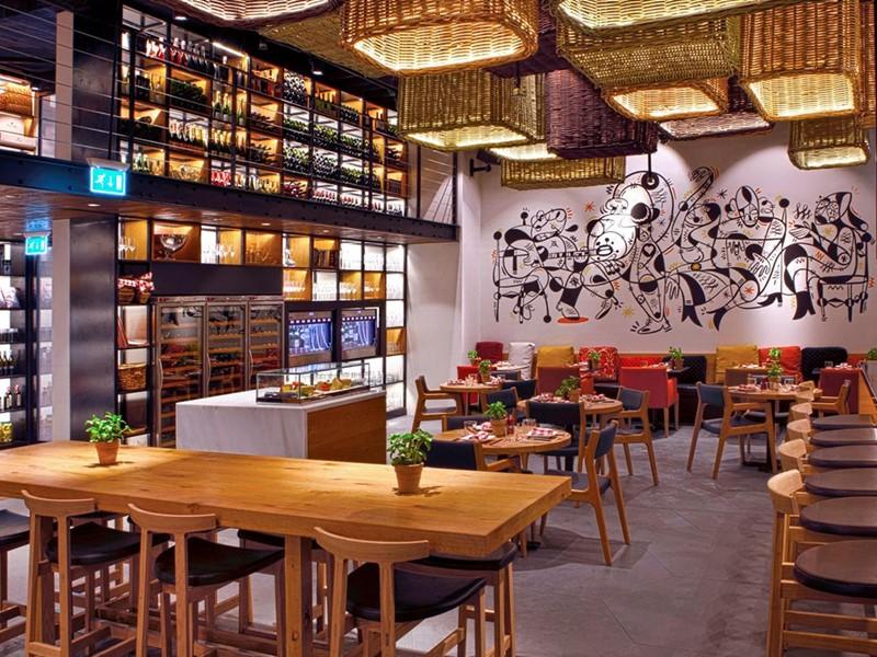 Le restaurant Salero Tapas & Bodega du Kempinski Hotel à Dubaï