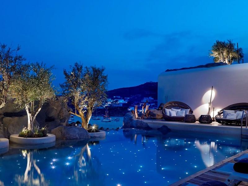 Profitez de la superbe piscine du Kensho Boutique Hotel
