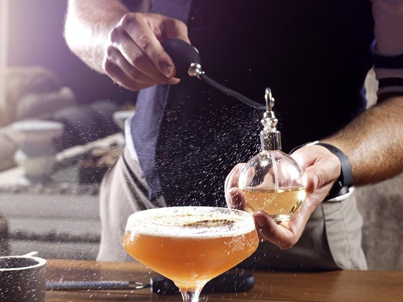 Délicieux cocktails au bar de l'hôtel