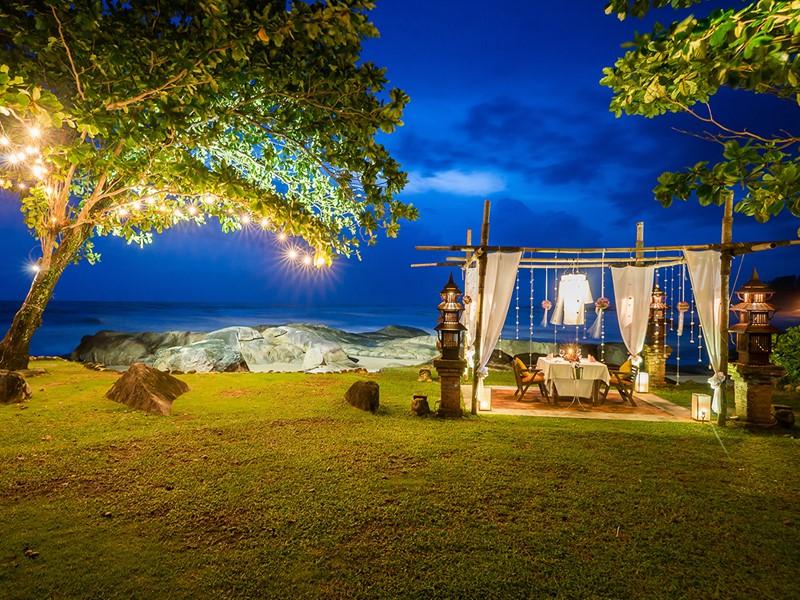 Dîner romantique dans un cadre idyllique au Khaolak Laguna