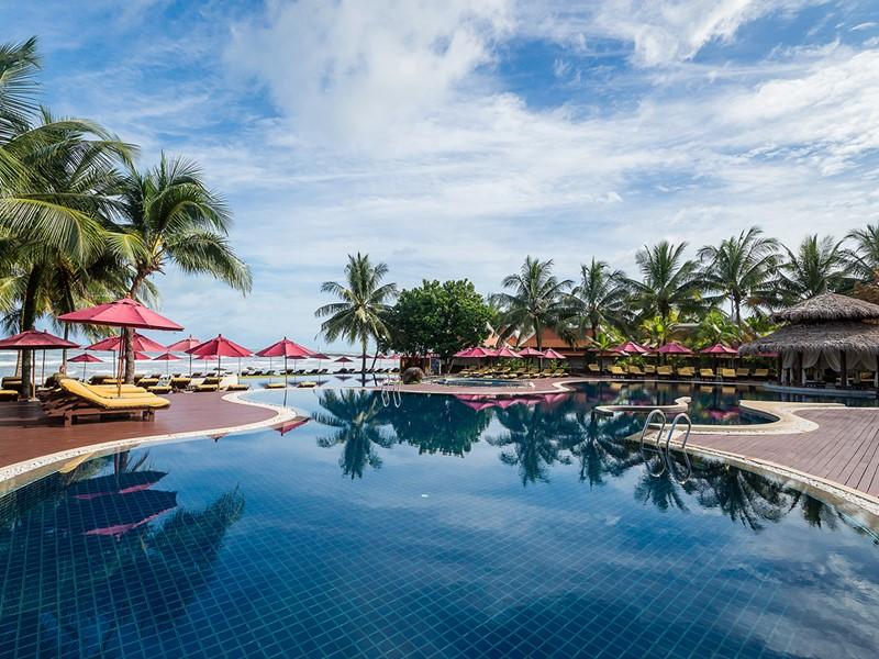 La superbe piscine de l'hôtel Khaolak Laguna Resort