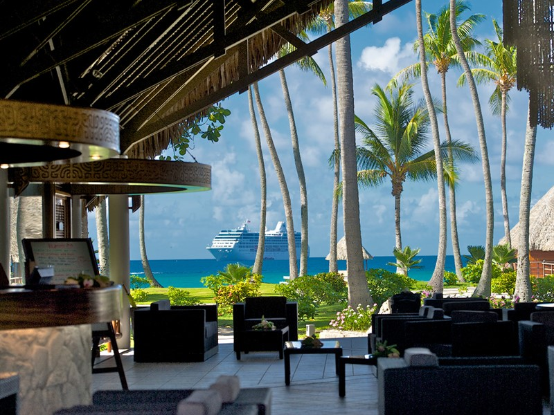 Le lobby de l'hôtel Kia Ora Village, situé en Polynésie