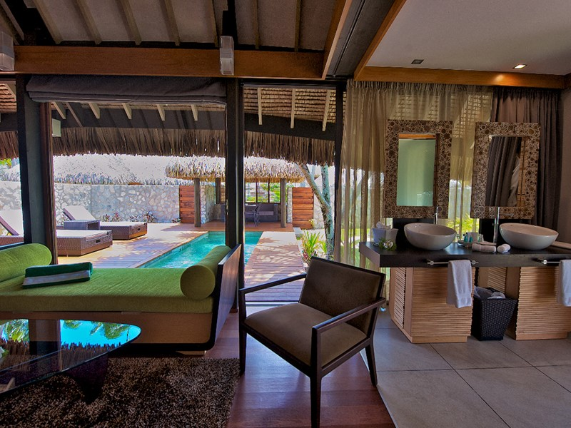 Pool Villa de l'hôtel Kia Ora, à Rangiroa